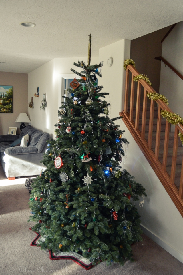 How to decorate a christmas tree 11