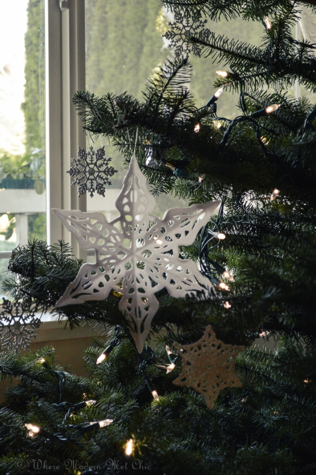 How to decorate a christmas tree 8